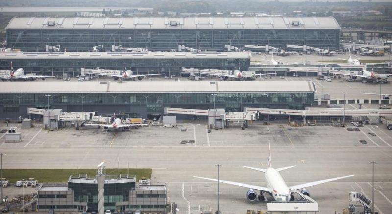 La Comisión Europea presenta su estrategia de aviación y conectividad