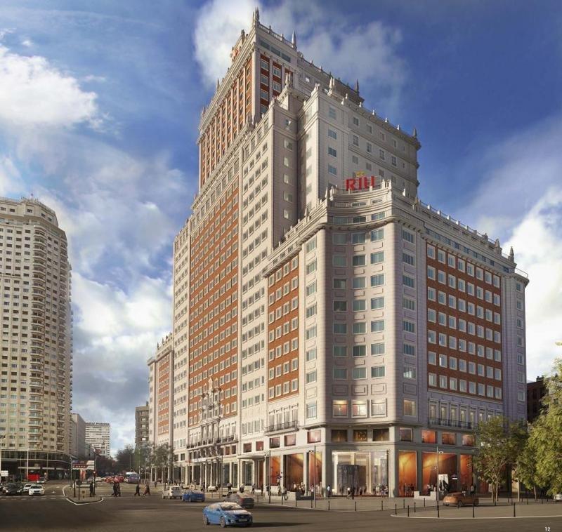 El imponente Edificio España albergará el primer hotel urbano de Riu en España, bajo su marca Riu Plaza. Imagen: Riu Hotels