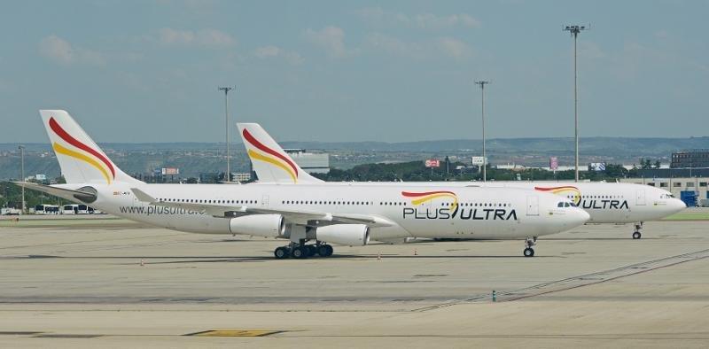 Plus Ultra comienza a volar de España a Chile (Foto: Alan Wilson - Airbus A340-313X 'EC-MFB' Plus Ultra Lineas Aereas File:Airbus A340-313X 'EC-MFB' Plus Ultra Lineas Aereas (27180414061).jpg)