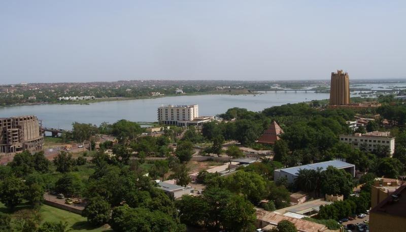 El ataque ha ocurrido en un complejo de lujo cerca de la capital, Bamako.