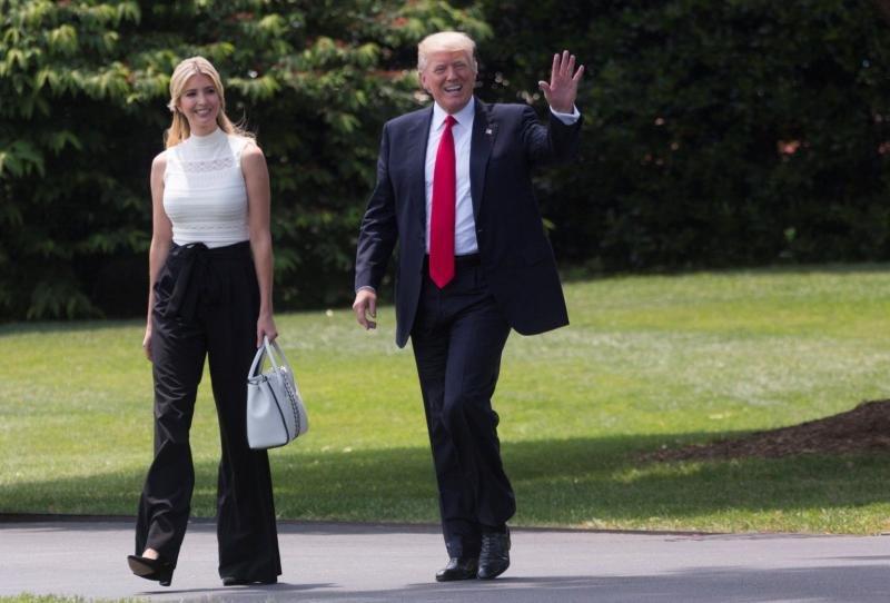 Donald Trump con su hija y asesora, Ivanka Trump