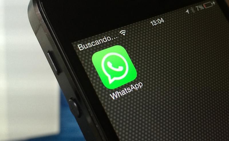Una de las grandes ventajas de WhatsApp con respecto a otras formas de contacto es la posibilidad de adjuntar archivos.