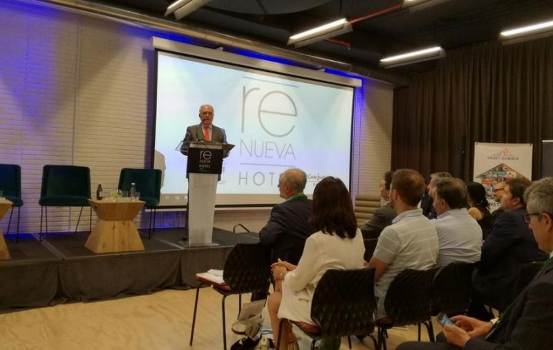 Los hoteleros madrileños denuncian el aumento del 26% de plazas ilegales en viviendas de alquiler de uso turístico