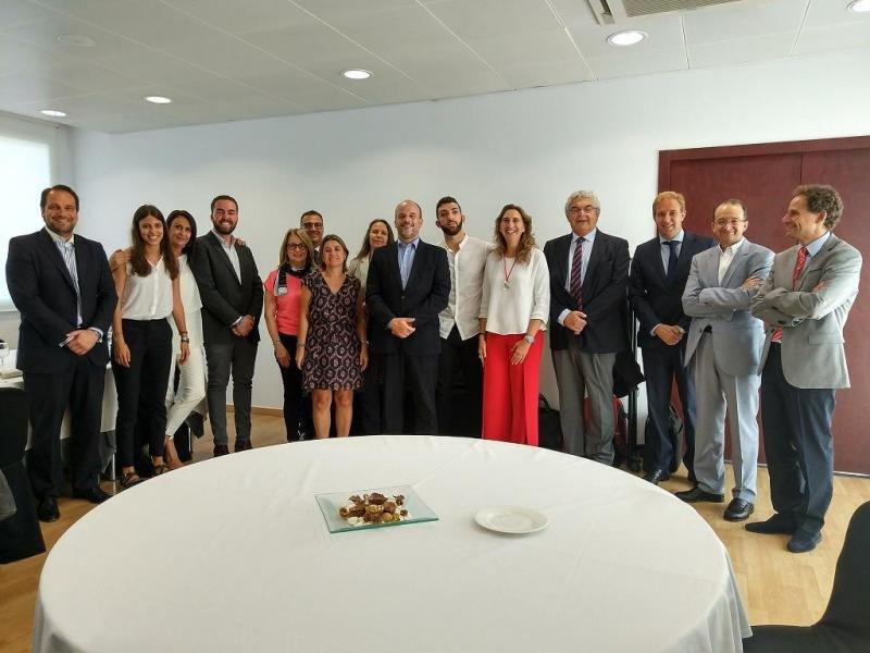 Imagen de todos los participantes en la jornada organizada por la Facultad de Turismo y Dirección Hotelera Sant Ignasi (HTSI).