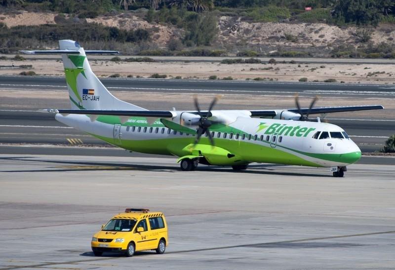 Avalancha de reservas en Canarias por el descuento del 75% al transporte