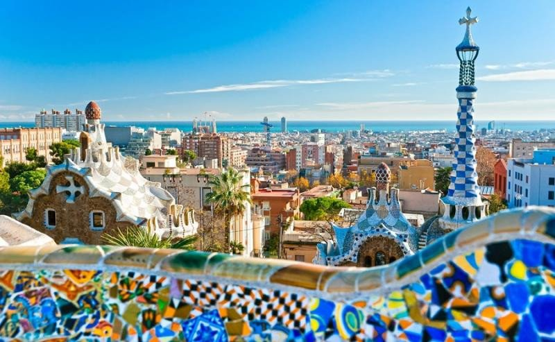 Los ciudadanos de Barcelona se sienten más preocupados por el turismo que por el paro y las condiciones de trabajo.
