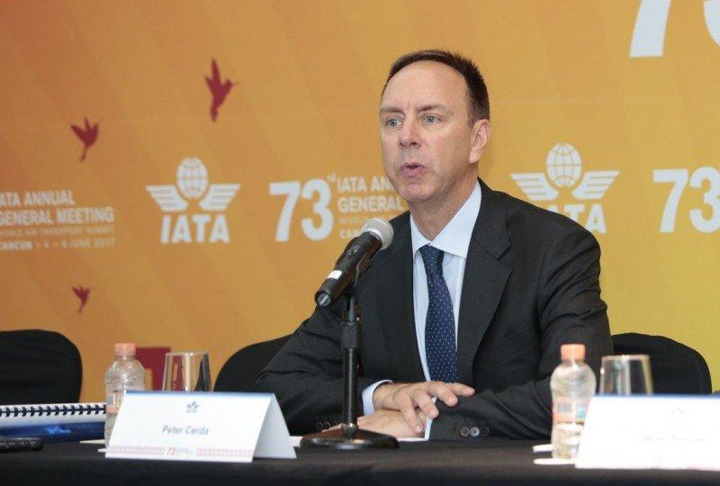 Peter Cerdá en la 73a Asamblea General de la IATA en Cancún. Foto: IATA.