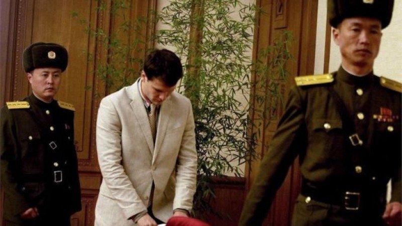 El estudiante estadounidense fue exhibido por las autoridades norcoreanas en una conferencia de prensa en febrero de 2016. Foto: BBC.