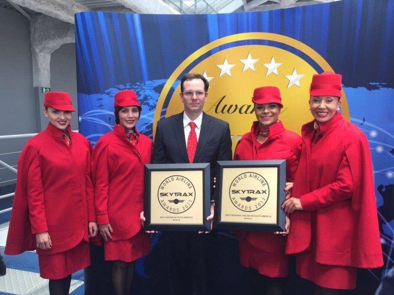 Representantes de la compañía aérea recibieron las distinciones en París. Foto: Avianca.