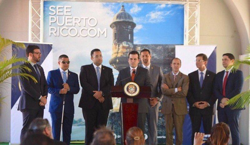 Acuerdo de Airbnb con el gobierno de Puerto Rico para tributar por alquileres. Foto_ Presidencia Puerto Rico.
