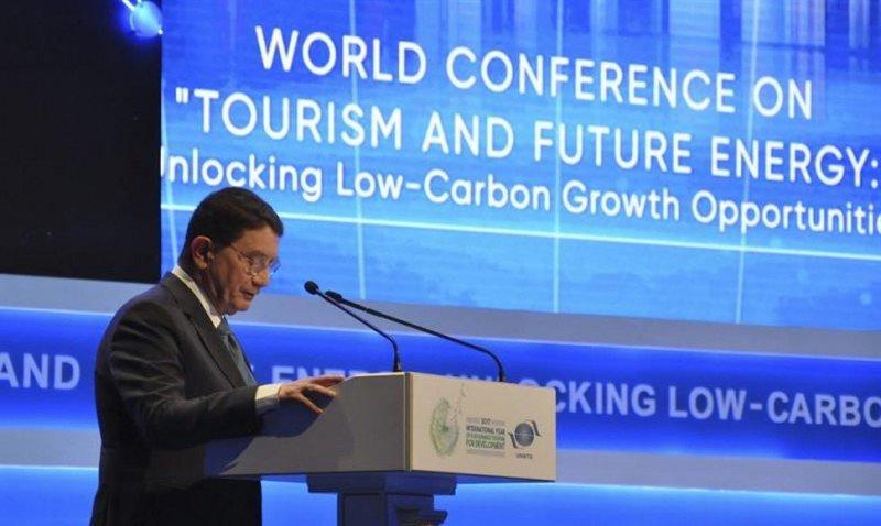 El secretario general de la Organización Mundial del Turismo, Taleb Rifai, durante la conferencia.