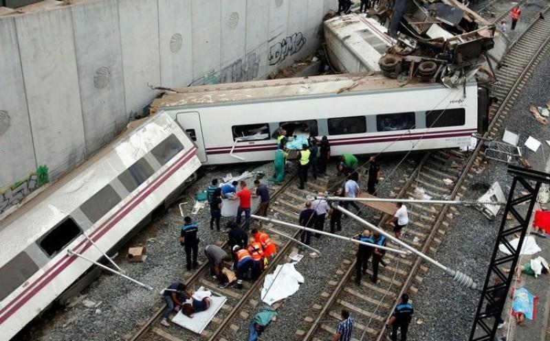 La CE pide una nueva investigación del accidente de tren en Santiago 'totalmente independiente' (Foto: AFP).