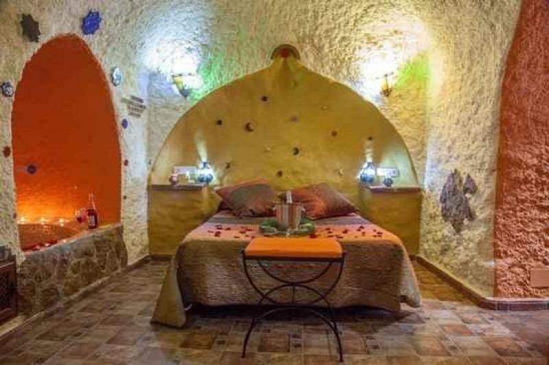 Andalucía aglutina el 80% de las cuevas que existen en Europa. En la imagen, la Casa cueva de María, en la Sierra de Cazorla. Foto: Ruralgest.