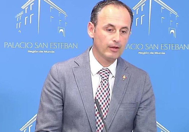 Javier Celdrán ha presentado el plan a a empresarios del sector de la restauración, representantes de ayuntamientos, asociaciones de hostelería y de turismo, consejos reguladores, restauradores, bodegas y formadores.