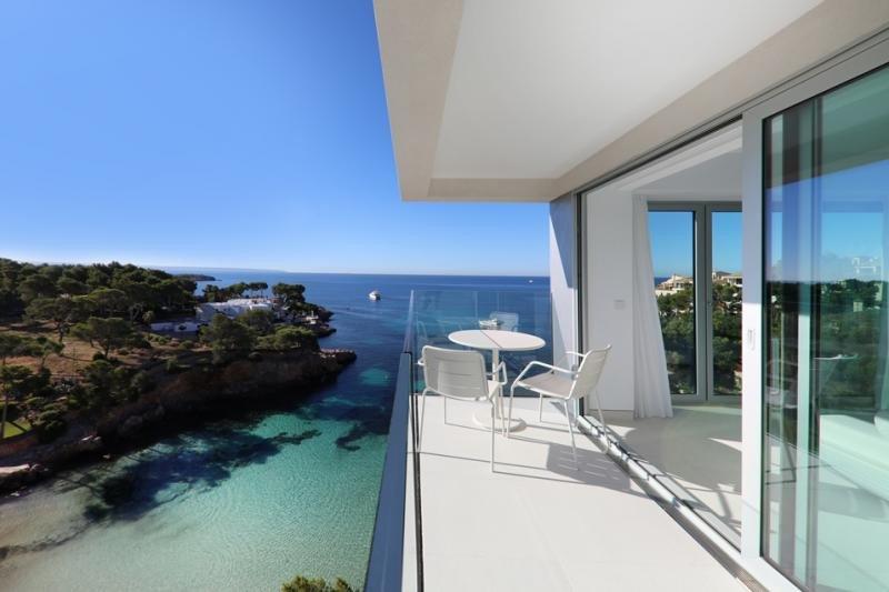 Iberostar abre su exclusivo hotel de diseño en Portals Nous
