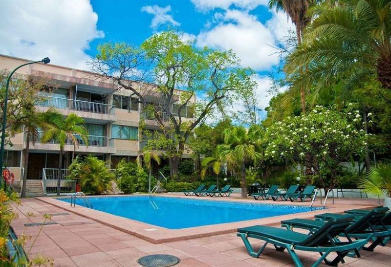 El Hotel Colón Rambla dispone de 49 habitaciones y sus instalaciones se han adaptado también al cliente vacacional.