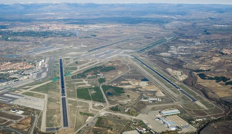 Inicialmente, se había sentenciado reducir un 30% de los vuelos de la pista 18R/36L de Madrid-Barajas.