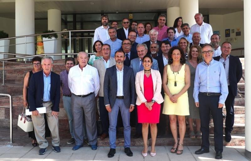 Los hoteleros mantuvieron un almuerzo de trabajo con el conseller Biel Barceló y la consellera Catalina Cladera