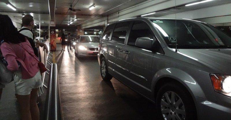 Zona de pick up de servicios de transporte colaborativo en el hotel MGM Grand en Las Vegas. Foto: J.Lyonnet.
