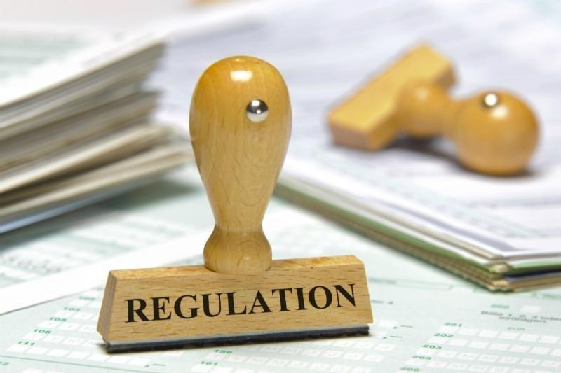 La Unión Europea advierte a los Estados miembro que 'no pueden imponer a las plataformas colaborativas una obligación general de monitorear o buscar de manera activa hechos o circunstancias que indiquen actividades ilegales'.