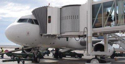 Argentina aprueba nuevas rutas a tres aerolíneas extranjeras