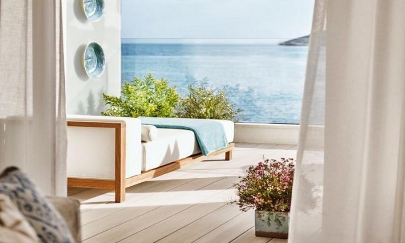 La empresa de diseño Proffetional ha querido transmitir los colores y las sensaciones que provoca la isla en aquel que la visita.