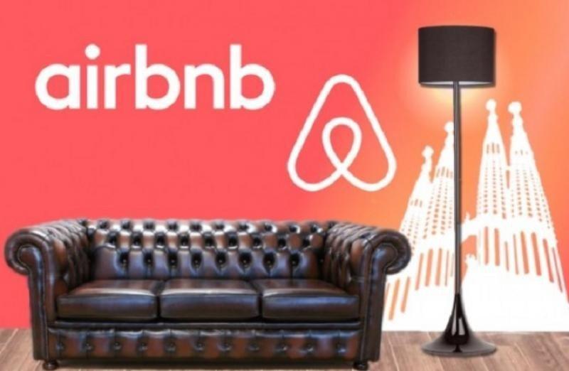 """Airbnb defiende que siempre ha estado abierta a mantener reuniones con el Consistorio, pero que éste ha desistido de las conversaciones """"en favor de una campaña de miedo y confusión contra los barceloneses""""."""