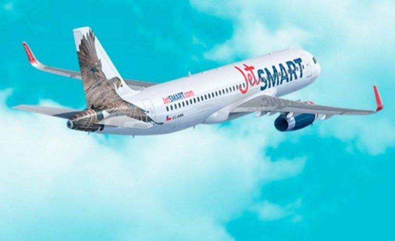 Con pasajes a 4,5 dólares comienza a operar en Chile aerolínea JetSmart
