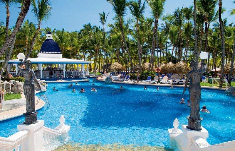 Reabre tras renovación el hotel Riu Bambu de Punta Cana