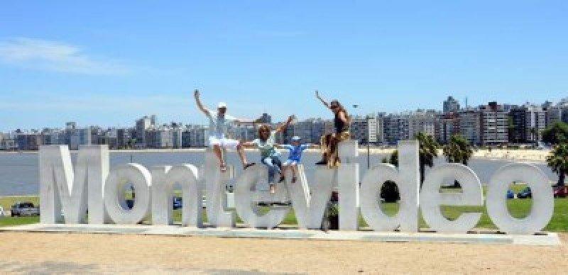 República Dominicana pide a Uruguay eliminar visado turístico