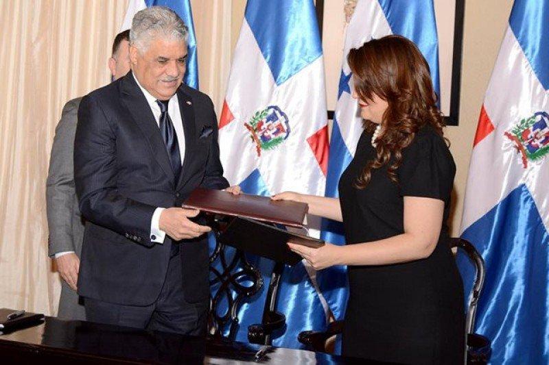 Los ministros de Relaciones Exteriores de ambos países rubricaron el acuerdo. Foto: Cancillería Honduras.