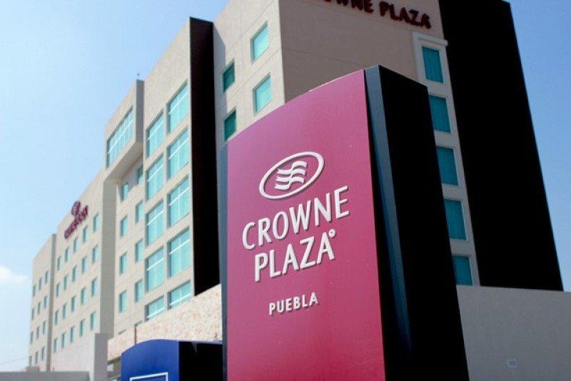 Fachada del Crowne Plaza Puebla.
