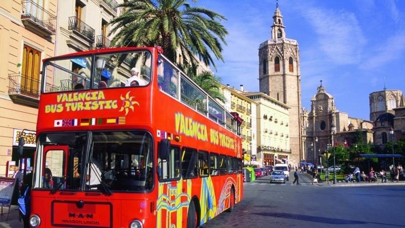 Valencia quiere poner una tasa y limitar los días de alquiler a Airbnb