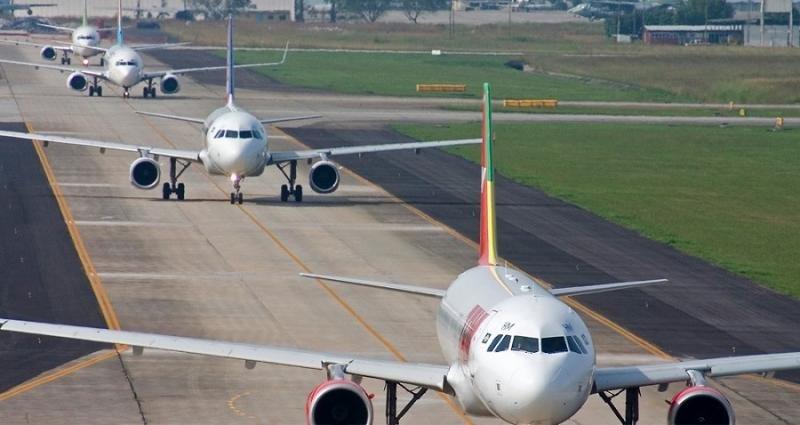 Las aerolíneas acumulan hasta junio récords de tráfico y ocupación