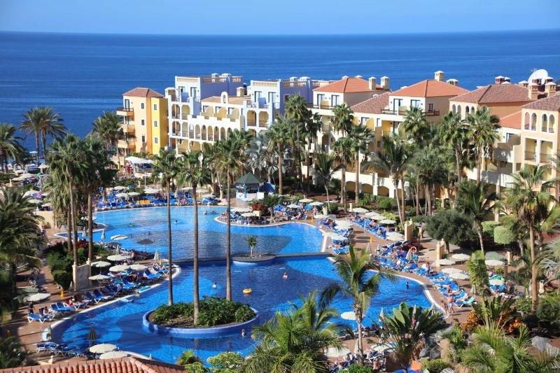 El Bahia Principe Costa Adeje, también en Tenerife.