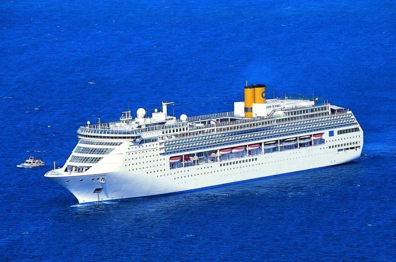 El sector de cruceros mantiene su buen ritmo en 2017. Fotografía del Costa Victoria, que volverá al Mediterráneo en 2018.