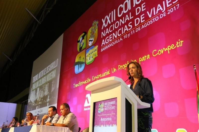 María Claudia Lacouture en el congreso anual de ANATO.