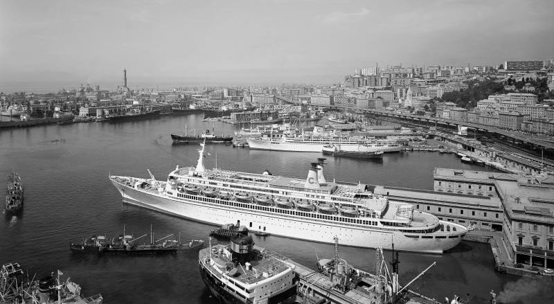 El Eugenio C. realizaba el clásico crucero de Semana Santa para un mercado muy estacional.