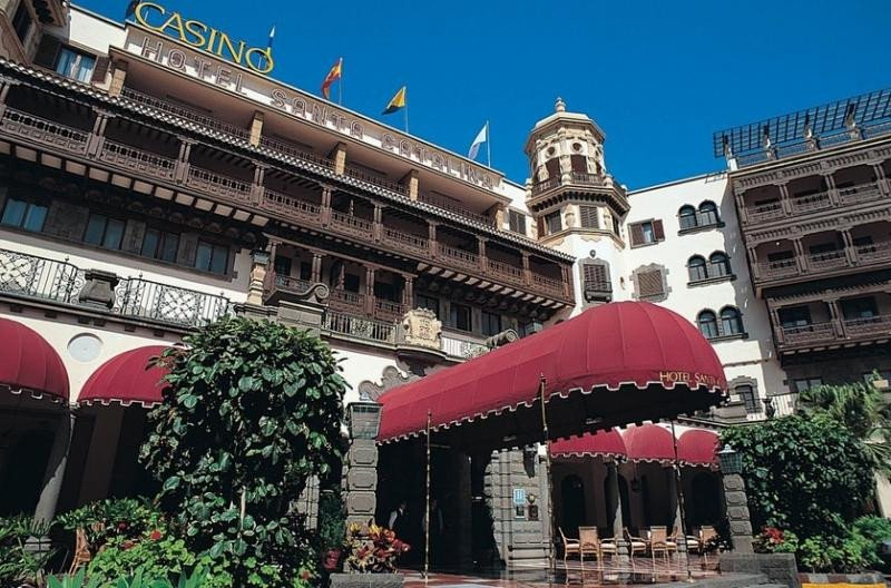 Barceló, VIK, Hotusa, Martinón-NH y Riu pujan por el Hotel Santa Catalina