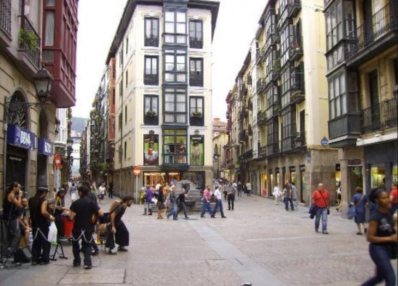 Bilbao ya ha cerrado algún piso turístico ilegal en el centro