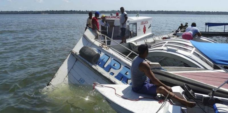 Fotografía del rescate en el río Xingú, en la Amazonía (AP).