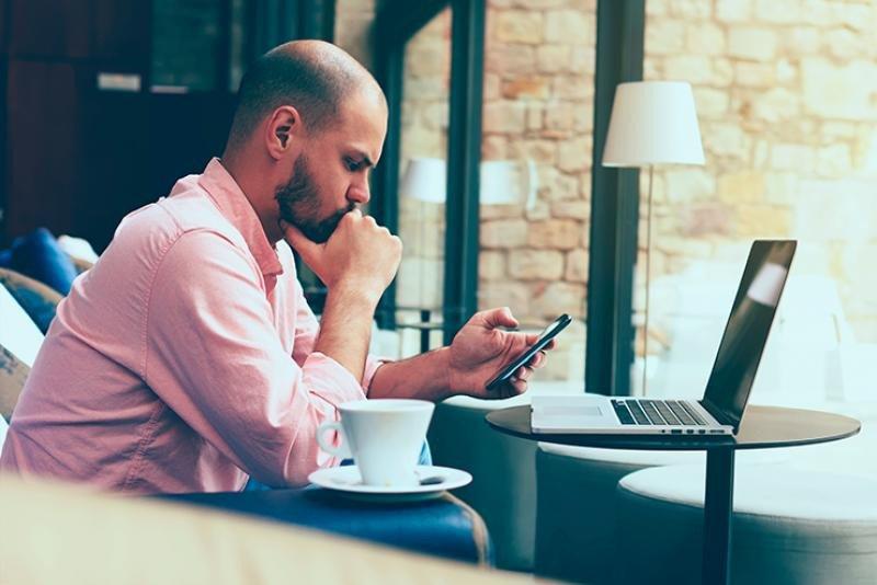 Los gadget tecnológicos hacen que los viajeros de negocios trabajen más
