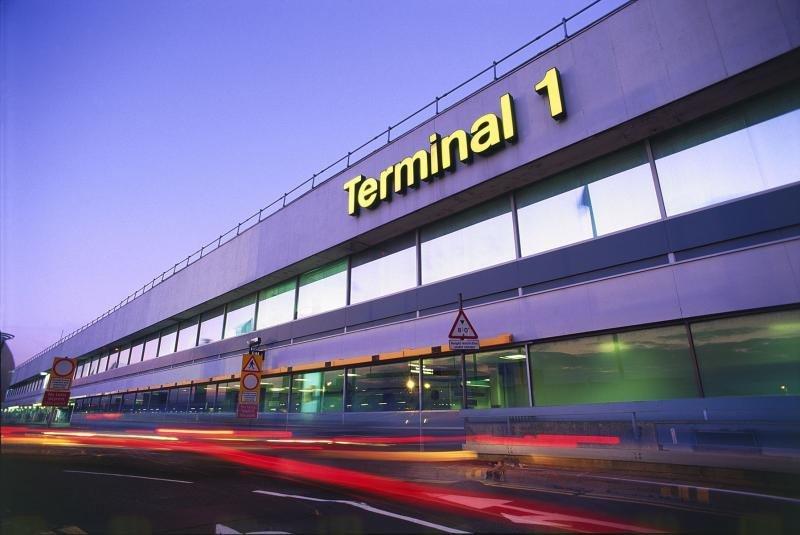 Desde Heathrow salieron 243.000 viajeros tan sólo este viernes.