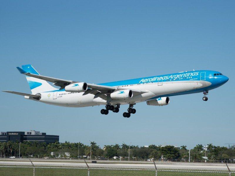 Aerolíneas Argentinas cancela el vuelo del sábado a Caracas por 'seguridad'