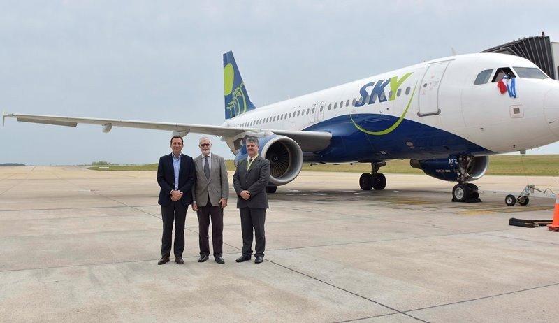 La low cost chilena Sky Airline incrementa sus operaciones en Uruguay en temporada.