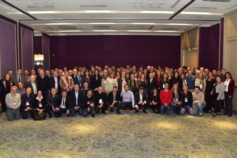 Más de 200 empresarios miembros de FEHGRA se reunieron en Buenos Aires.