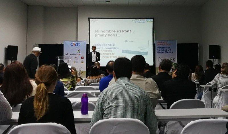 Jimmy Pons en Panamá, en el seminario internacional 'Turismo en tiempo de vacas flacas'. Foto: @Iris14_Alonso