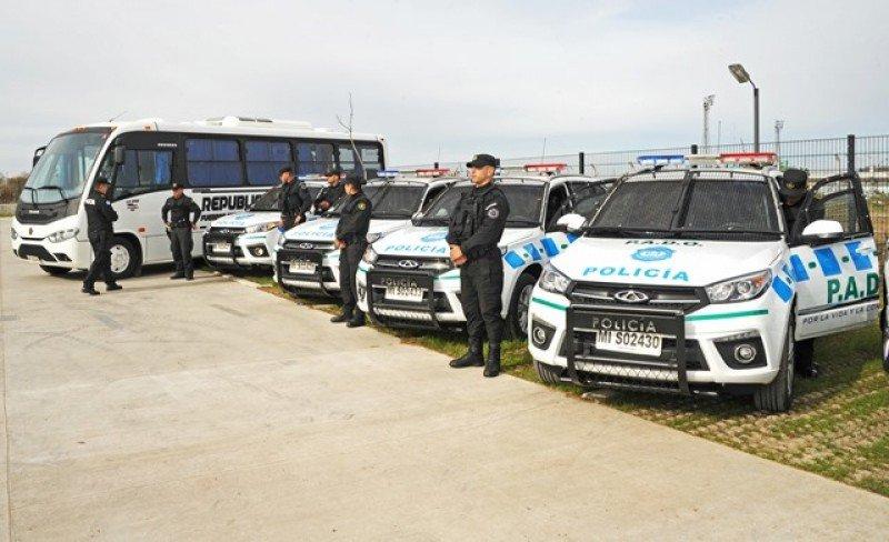 Unos 150 efectivos se incorporarán al sistema especial de patrullaje en las zonas turísticas de Maldonado, Rocha y Colonia, así como en ciudades de frontera. Foto: Ministerio del Interior.