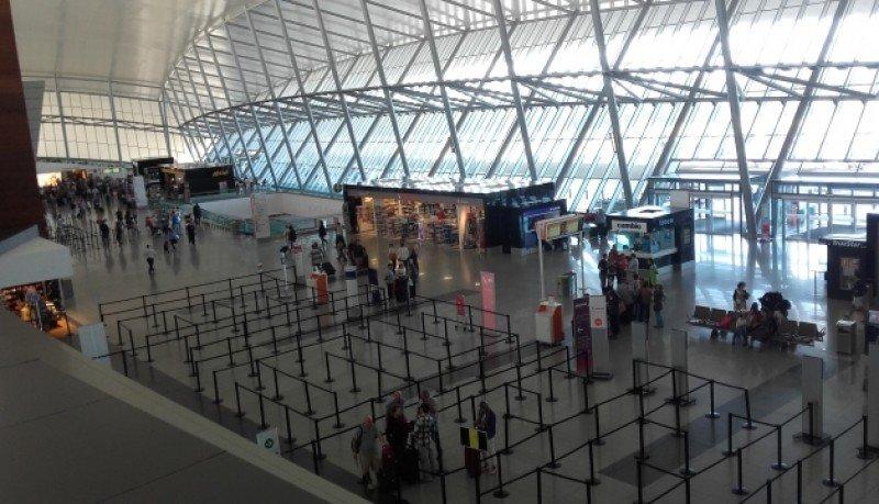 Pasajeros de Brasil y Chile empujan el tráfico aéreo en Montevideo