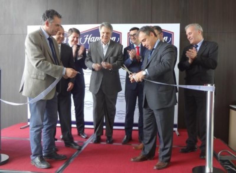 Autoridades de Uruguay, de Canelones, de Hilton y Saceem en la inauguración del Hampton by Hilton Montevideo Carrasco. Foto: J. Lyonnet.